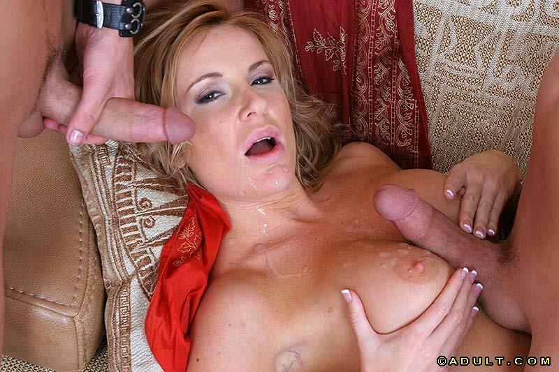 Blonde mom with big tits mellanie monroe lifts her dress up