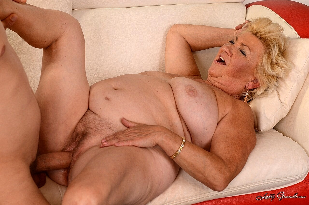 Old lady fucking pics
