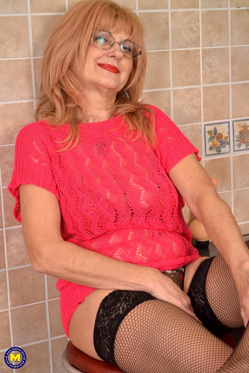 Nl mature nude nl :
