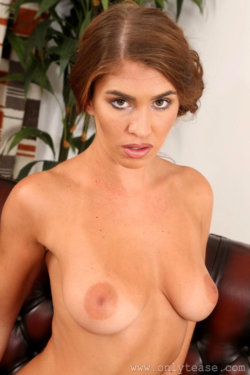 Katie Lou  nackt