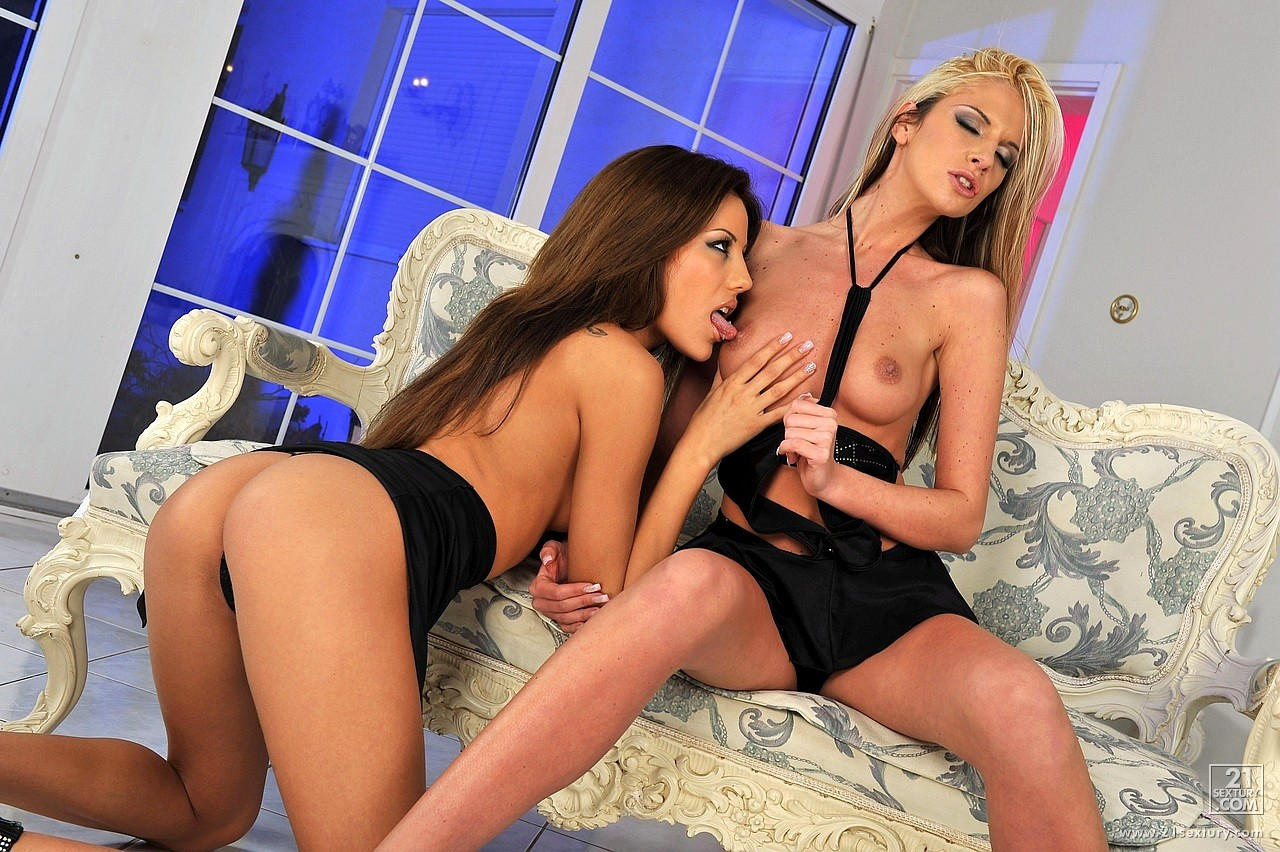 Blue angel and anita pearl licking each other