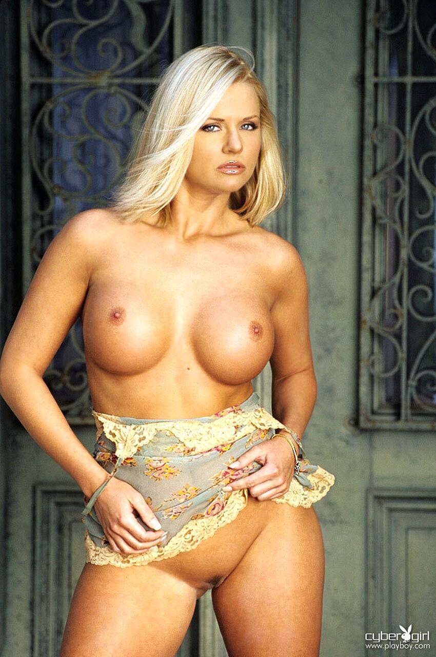 Noelle nackt Christina  Abby Girls