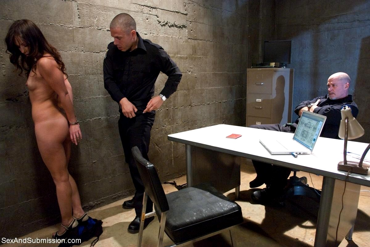 Suspect Brought To Backroom For Fucking Interrogation On Gotporn