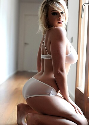 Thisisglamour Melissa Debling Xxxvideo Lingerie Vamp PornPics VIP Gallery