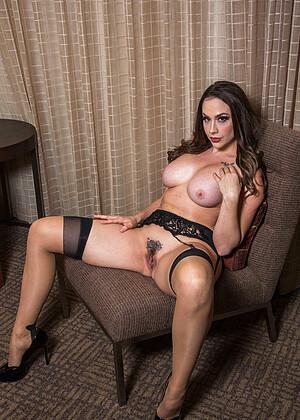 Ava Devine Hooker